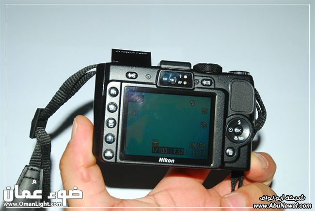 /></p> <p> ومن المميزات الجديده في الكاميرا امكانية ربطها بكيبل الشبكة LAN وارسال الصور منها  مباشره</p> <p> <img src=http://g.abunawaf.com/2009/8/28/35_1249407004.jpg alt=
