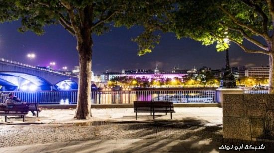 لندن تتلون باللون الوردي London-Turned-Into-P