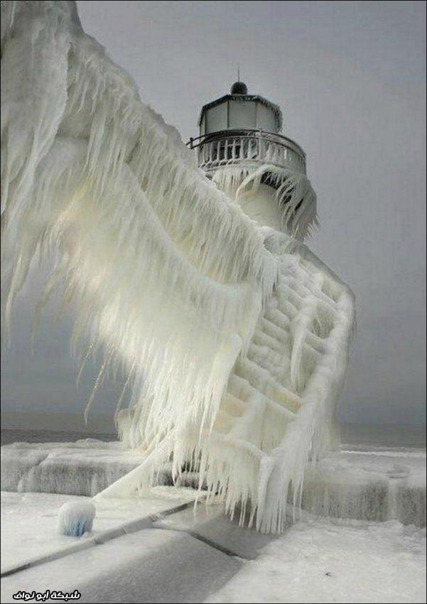 تماثيل جليدية