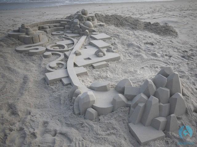 نحت على الرمال