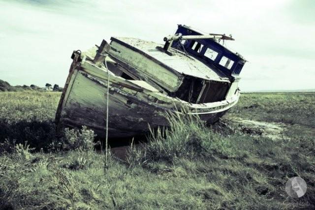 سفينة مهجورة