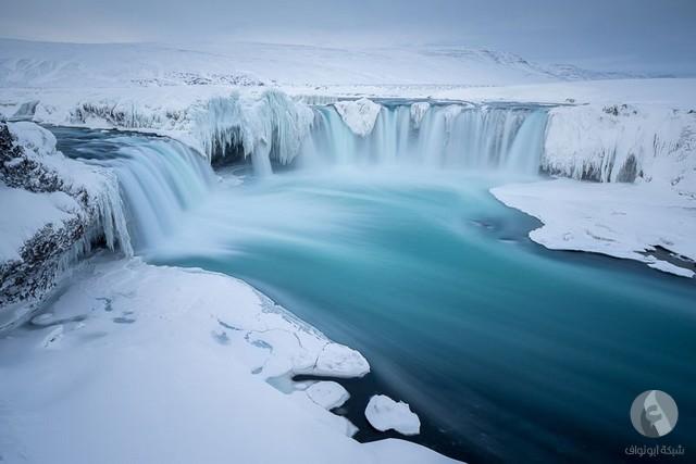 شلال وجليد