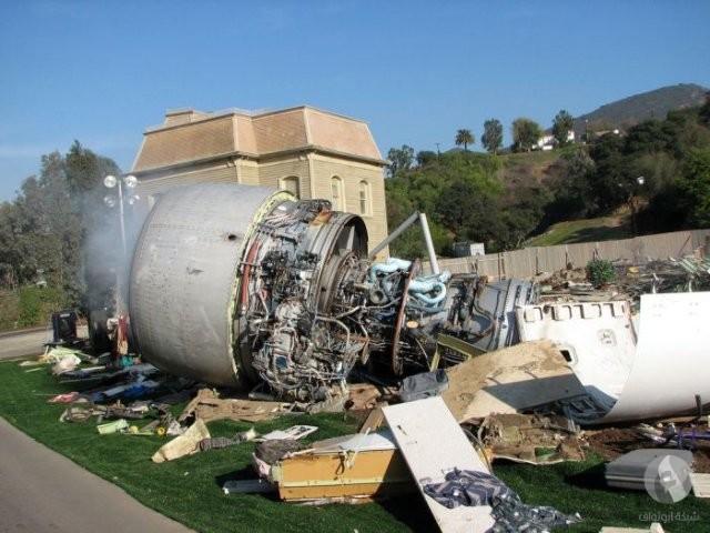 طائرة مدمرة
