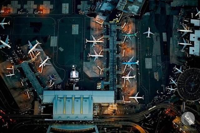 صورة جوية لمطار