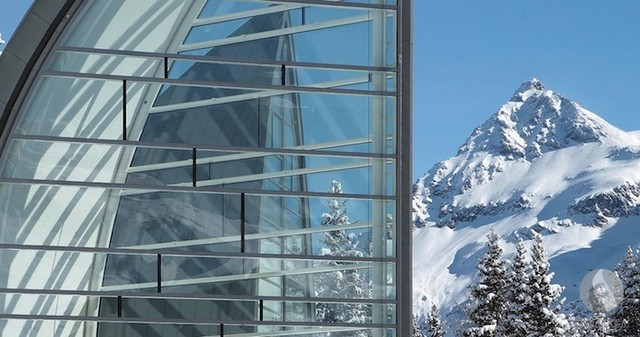 مبنى صدى الجليد